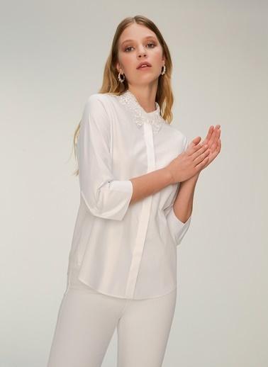 NGSTYLE Yakası Dantelli Poplin Gömlek Beyaz